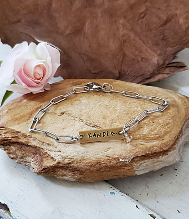 Id Chain bracelet with crystal on rock